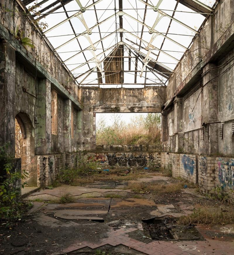 Vacant and derelict building in Govan